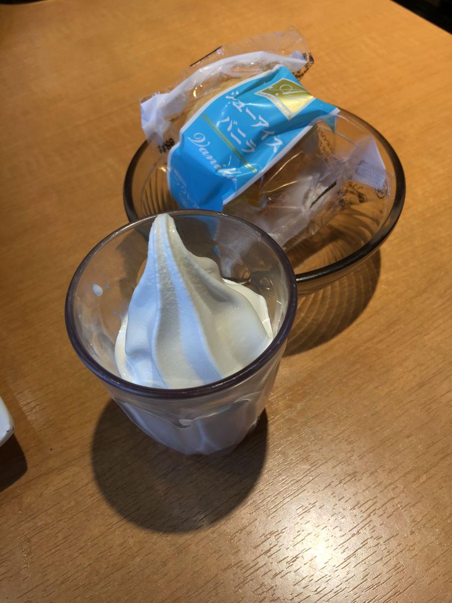 ソフトクリームとシューアイス